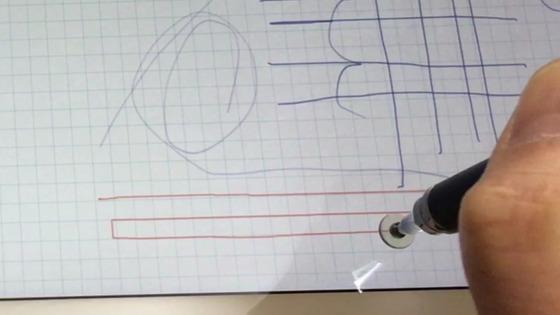 ディスクタイプタッチペンだと細かな線も余裕